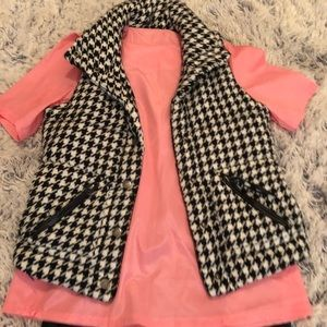 BB Dakota Houndstooth Vest